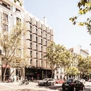 Refurbishment of the building for HNA in C/ GÉNOVA 17, Madrid.  COAM Prize 2015.